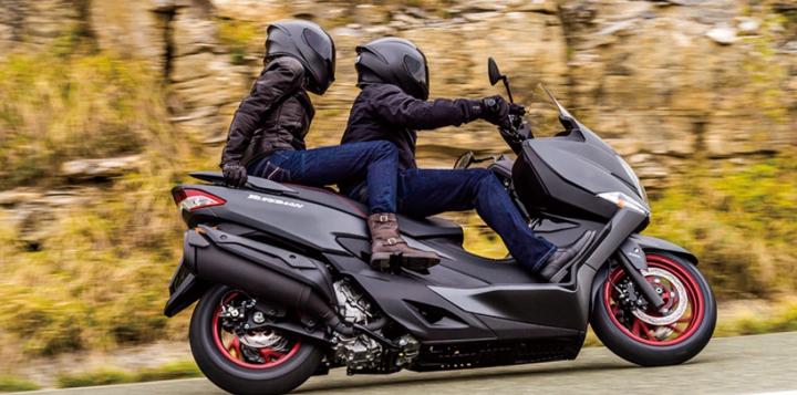 nouveau burgman 400 un scooter multifonctions jeunet moto. Black Bedroom Furniture Sets. Home Design Ideas